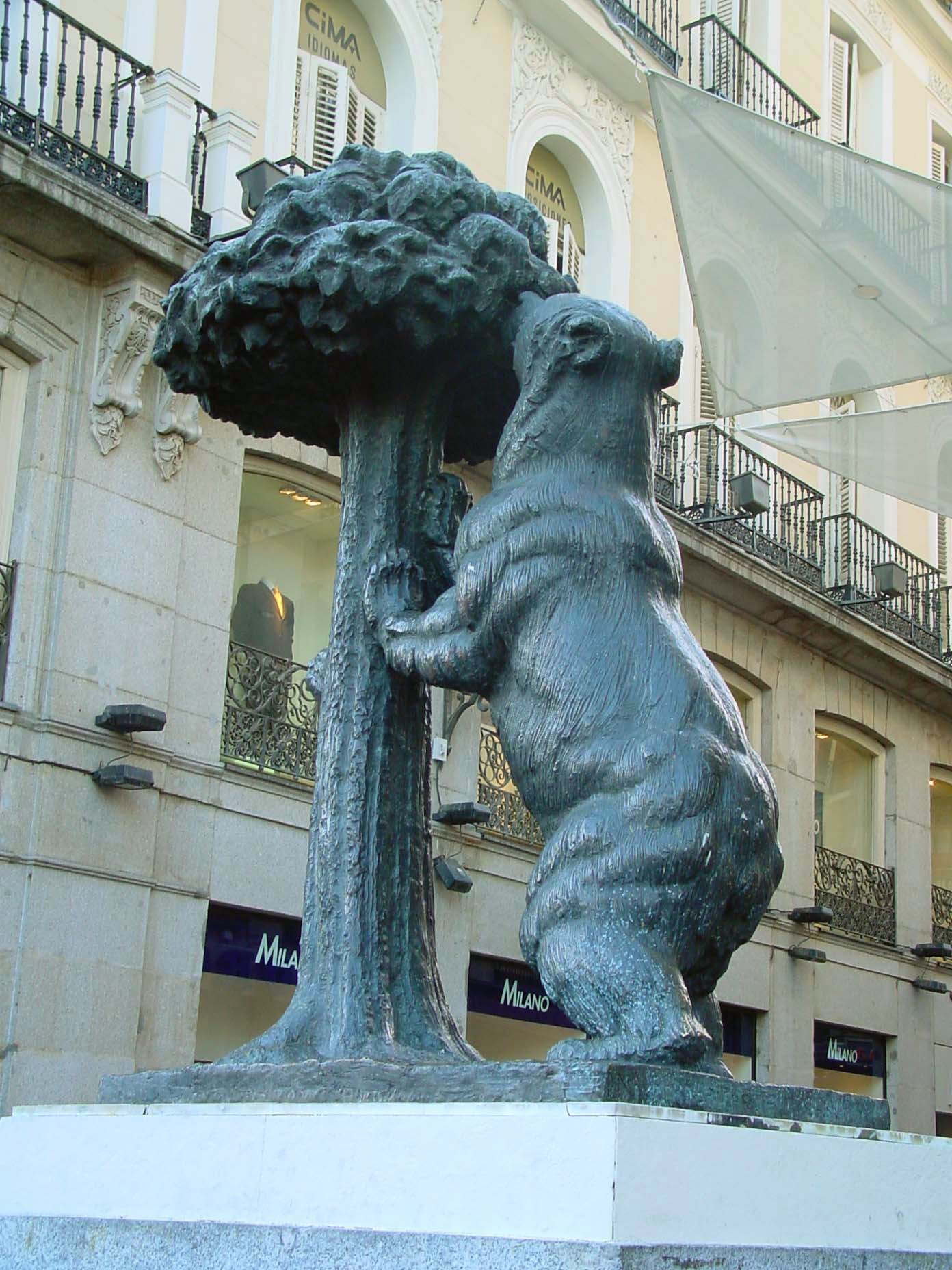file estatua del oso y el madro o de