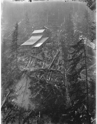 File:Excelsior Gold Mining Company mine and mill near Bellingham, Washington, 1902 (KIEHL 57).jpeg