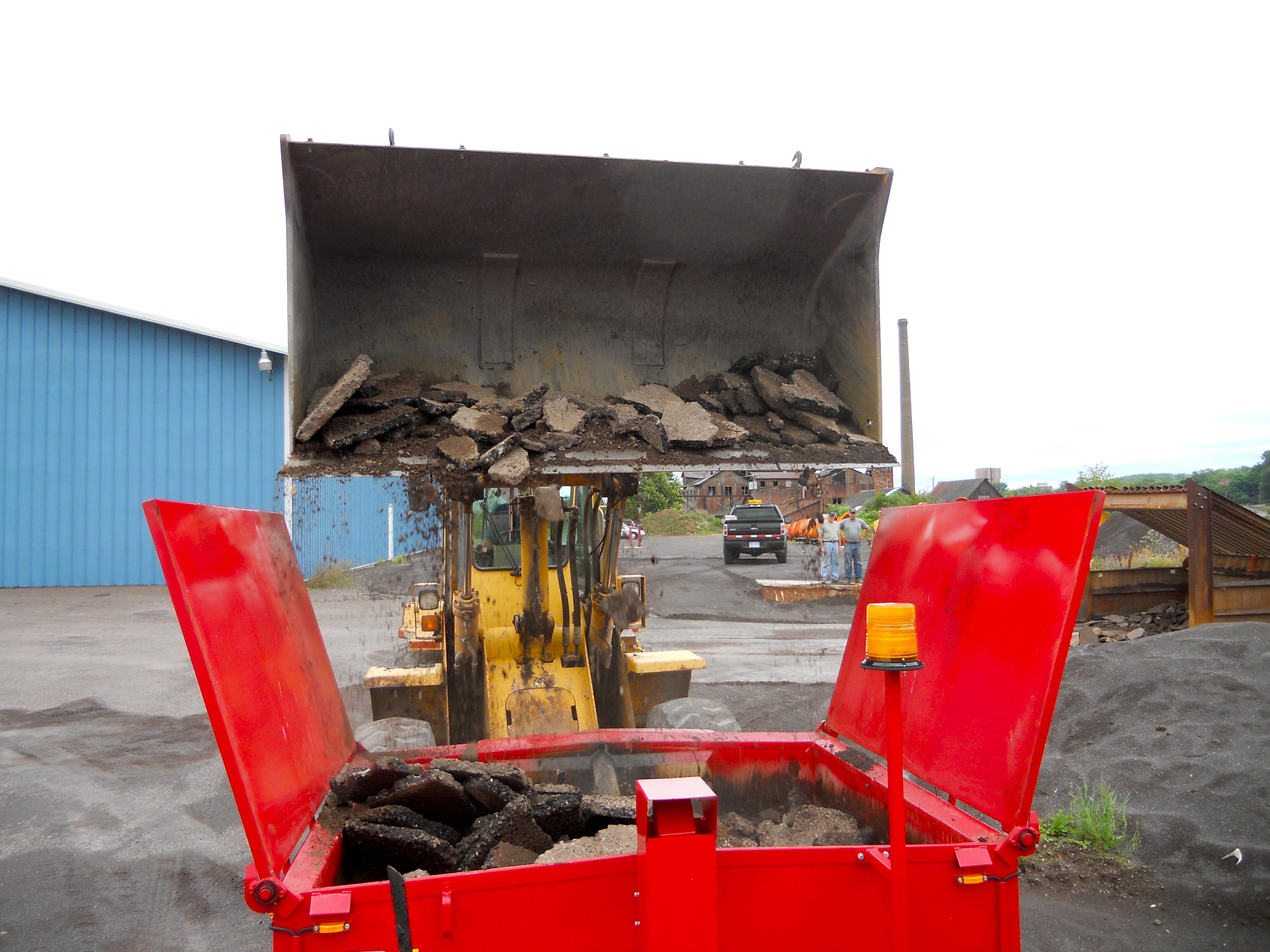 Small Asphalt Repair a Small-scale Asphalt Recycler