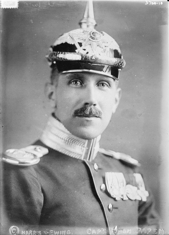 File:Franz von Papen circa 1915 in helmet.jpg - Wikimedia Commons