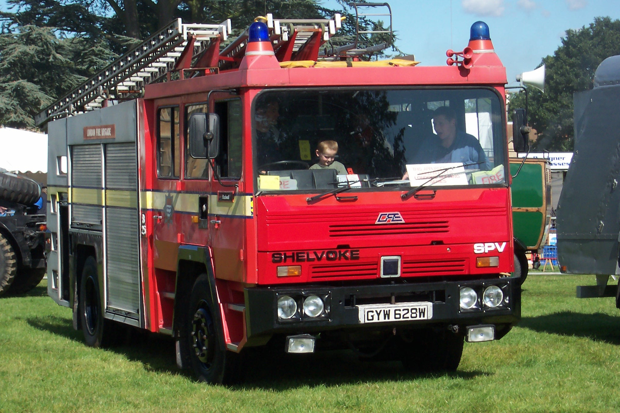 Shelvoke e Drewry truck muletti GYW_628_W_SD_SPV_Pump_Ladder