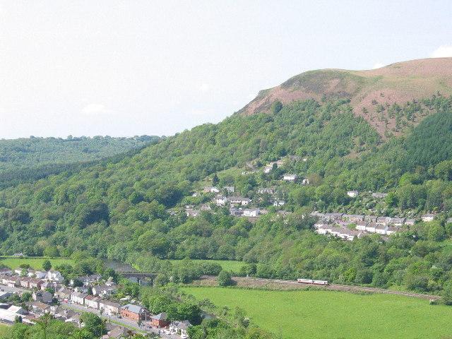 File:Gwaelod-y-garth from across the valley - geograph.org.uk - 87713.jpg