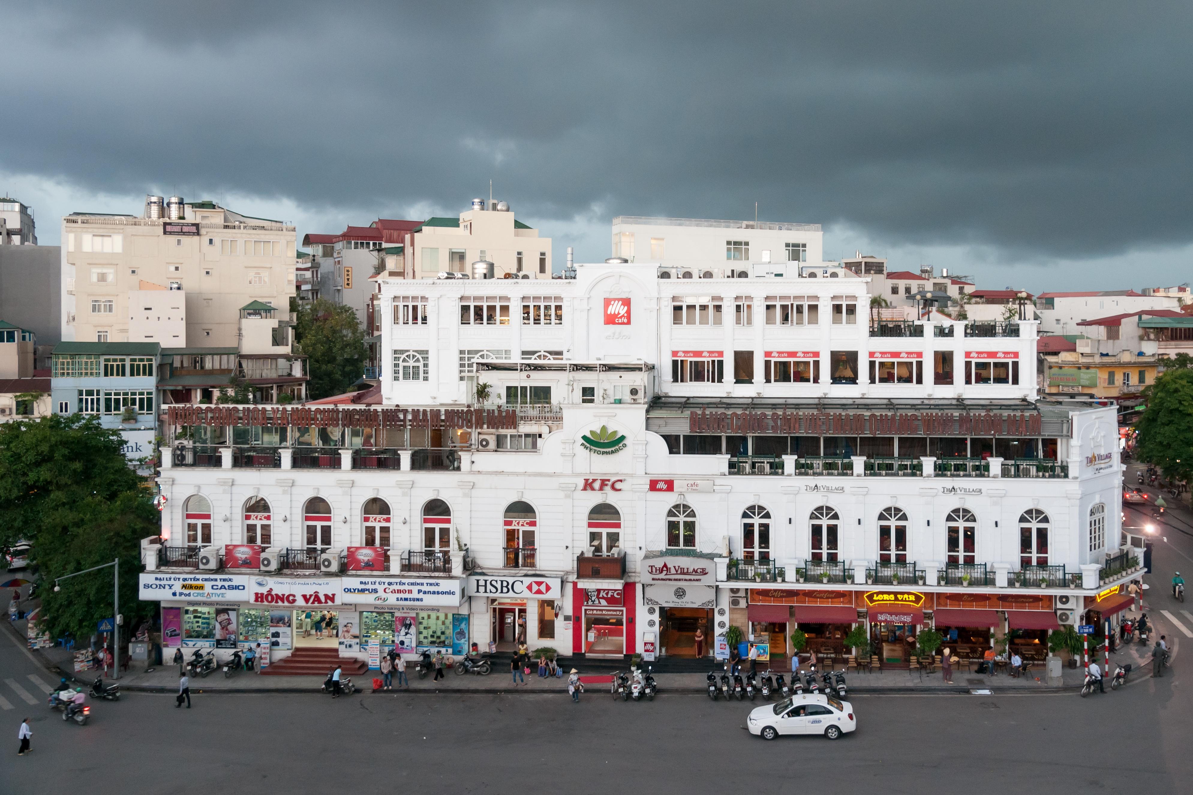 file hanoi vietnam houses in ho n ki m district wikimedia commons. Black Bedroom Furniture Sets. Home Design Ideas