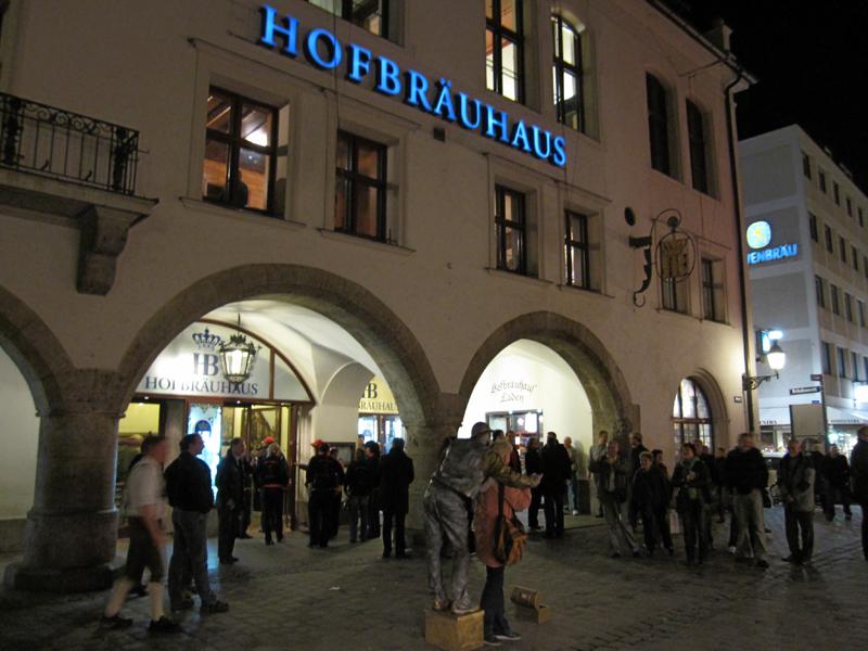 Hofbräuhaus, München (5259357957).jpg