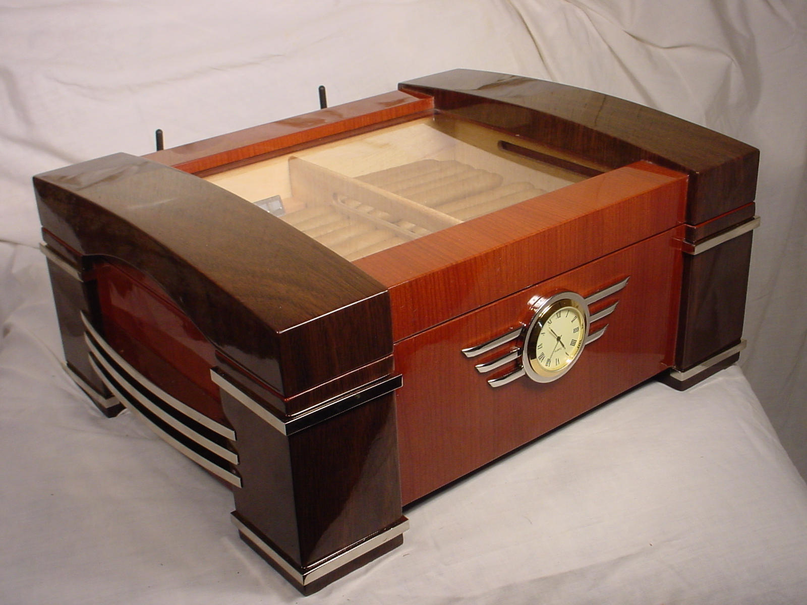 FileHumidor CL Serverjpg Wikimedia Commons