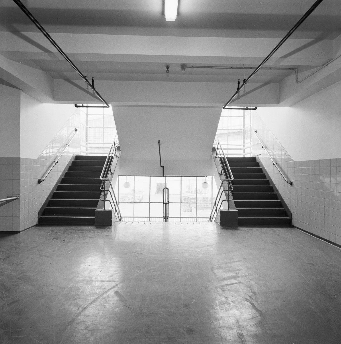 File interieur koffie en theefabrieken tweede trappenhuis 39 keizerlijke 39 trap oorspronkelijk - Model interieur trap ...