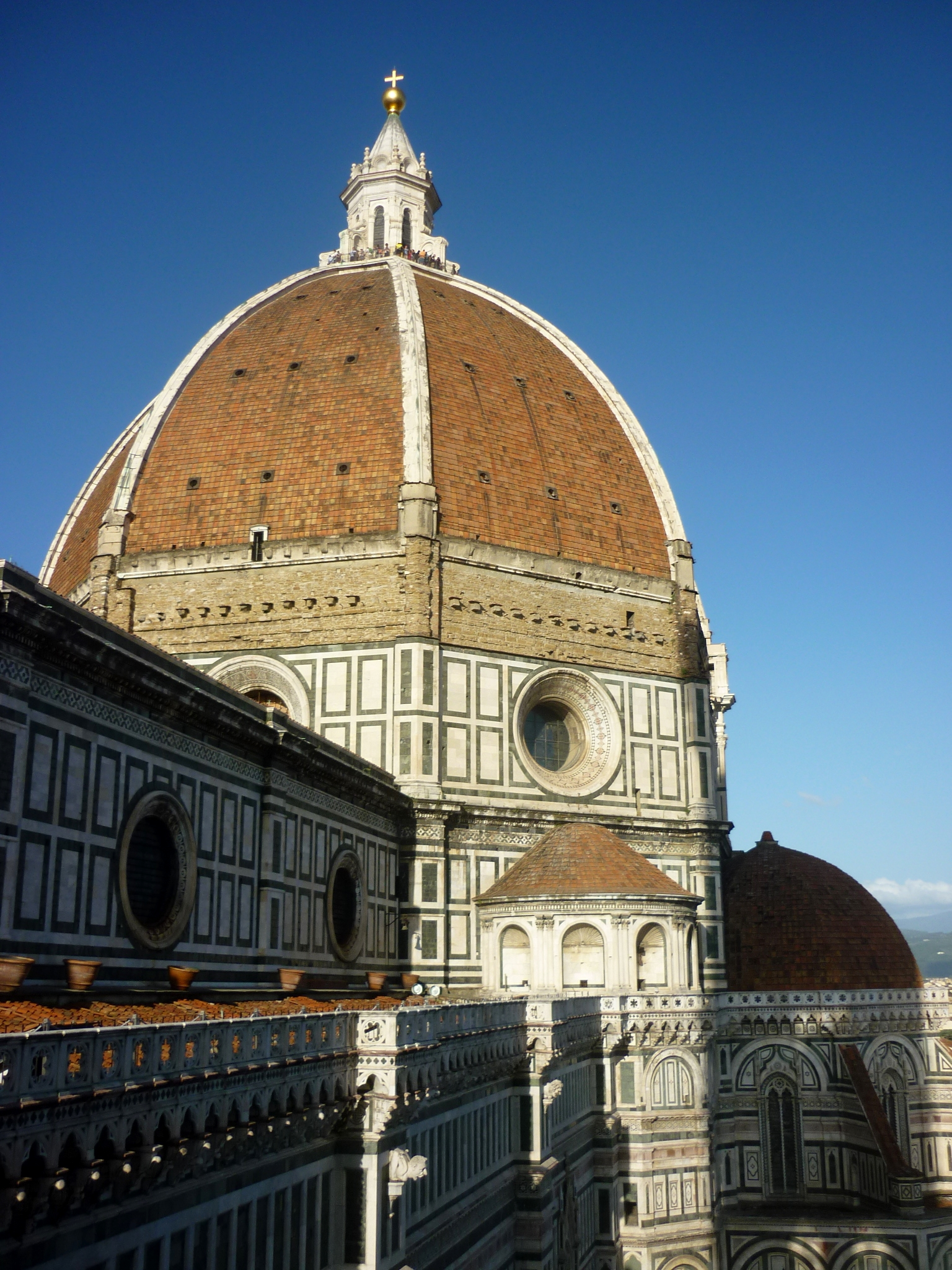Which Of Brunelleschi S Buildings Most Closely Approximate The Centralized Plan