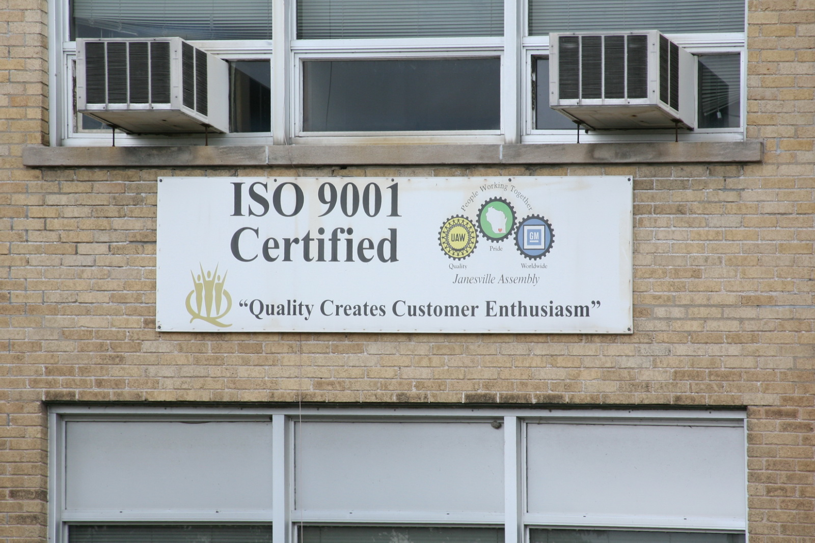 Janesville GM Assembly Plant - ISO 9001 Certified sign (3549915451).jpg