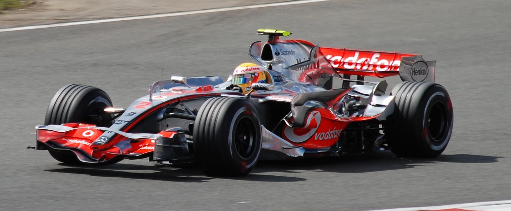 Ondanks de strubbelingen in de kwalificatie en Spygate dat op de achtergrond speelt.Wint Lewis Hamilton de Hongaarse Grand Prix.