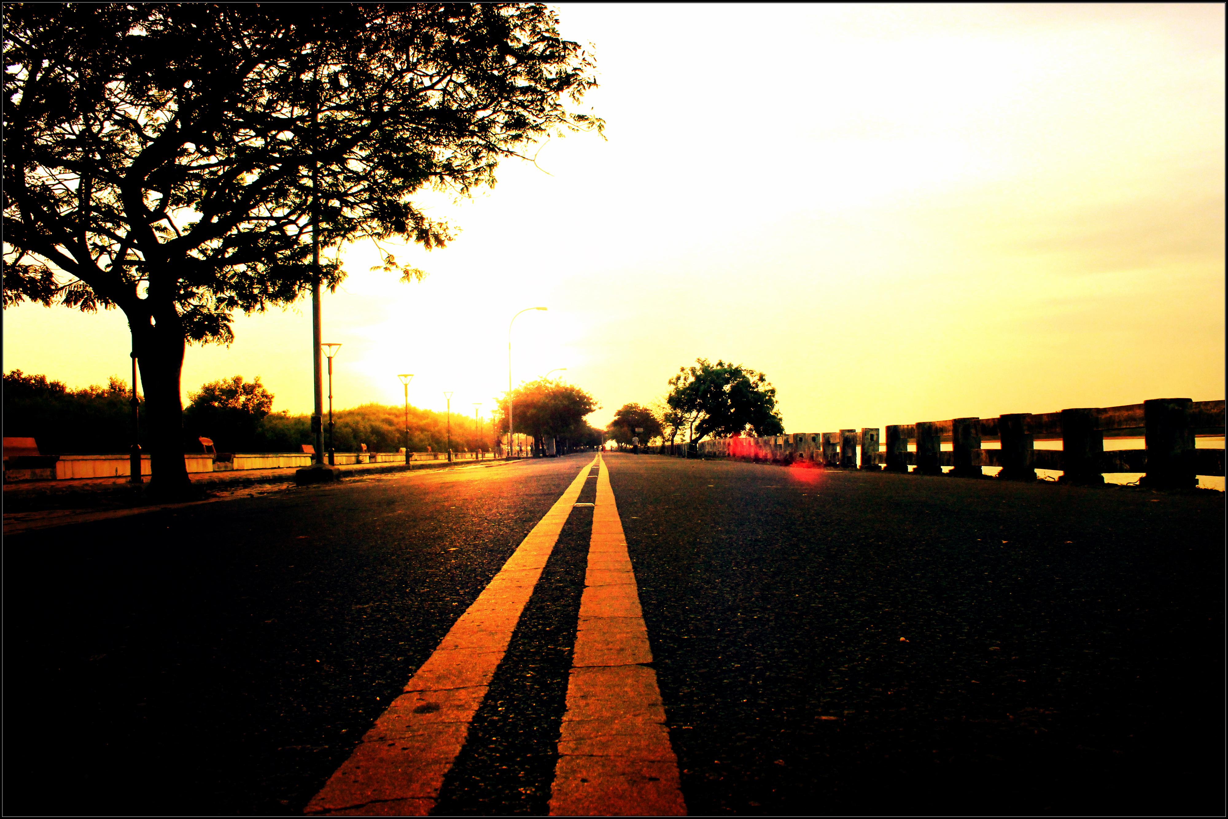 File:Lovely sun rise in karaikal beach road.jpg