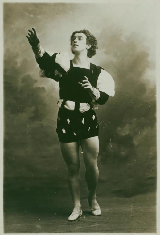 File:Nijinski in Albret du Ballet Giselle.jpg - Wikimedia ...