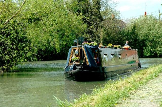 Odiham - Basingstoke Canal - geograph.org.uk - 227095