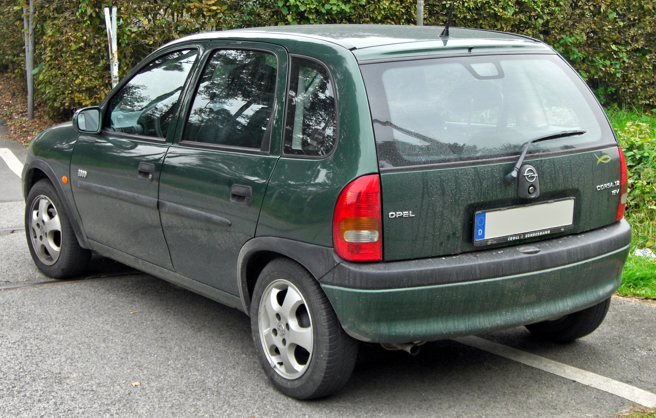 file:opel corsa b 1 2 16v edition 2000 5-t�rer facelift rear jpg