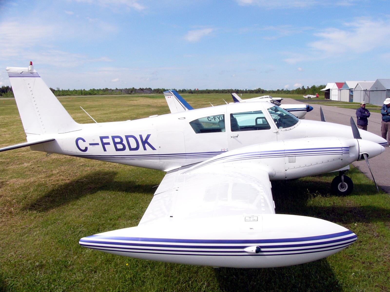 File:Piper PA-30 Twin Comanche C-FBDK 03.JPG