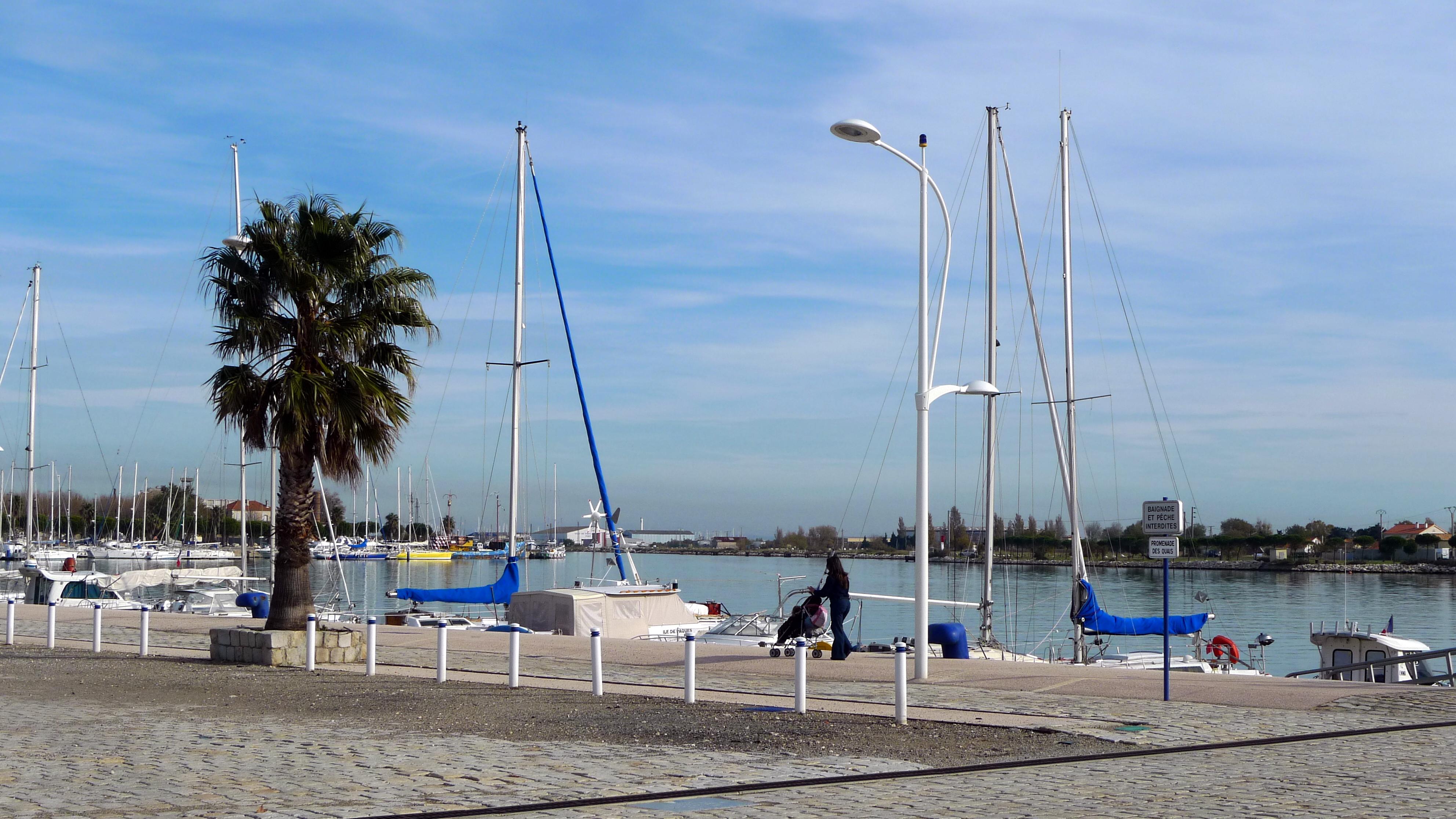 file port louis du rh 244 ne port de plaisance jpg wikimedia commons