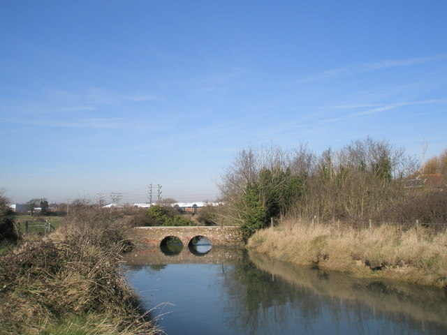 File:Pretty bridge near Mill Lane - geograph.org.uk - 688062.jpg