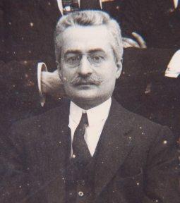 https://upload.wikimedia.org/wikipedia/commons/6/66/San_Giuseppe_Moscati.jpg