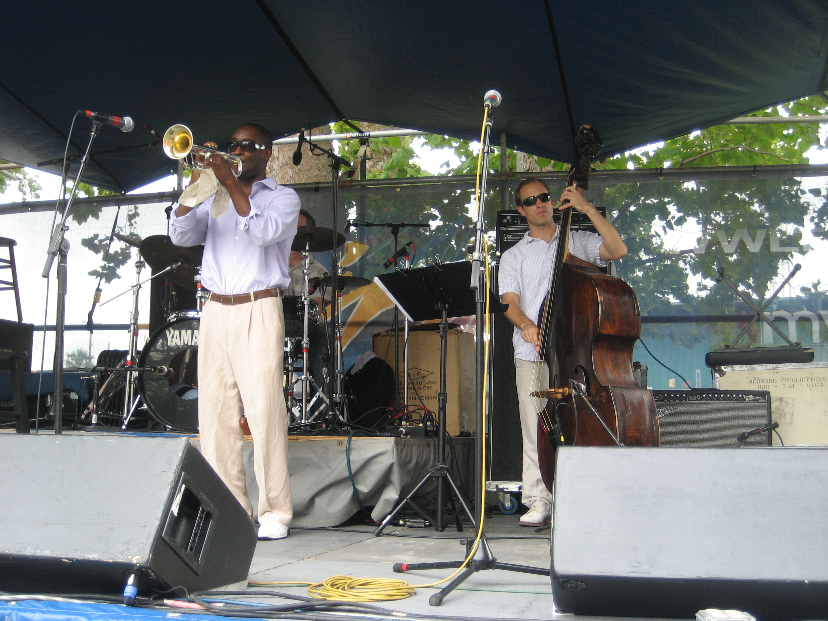File:Satchmo Summerfest 2009 Kid Chocolate Bass.JPG - Wikimedia ...