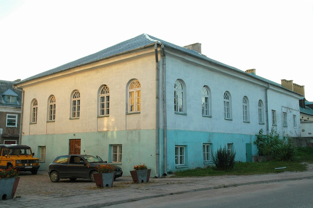 https://upload.wikimedia.org/wikipedia/commons/6/66/Sejny_Synagogue_01.JPG