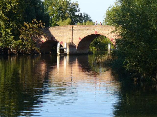 Sonning Bridge - geograph.org.uk - 536881