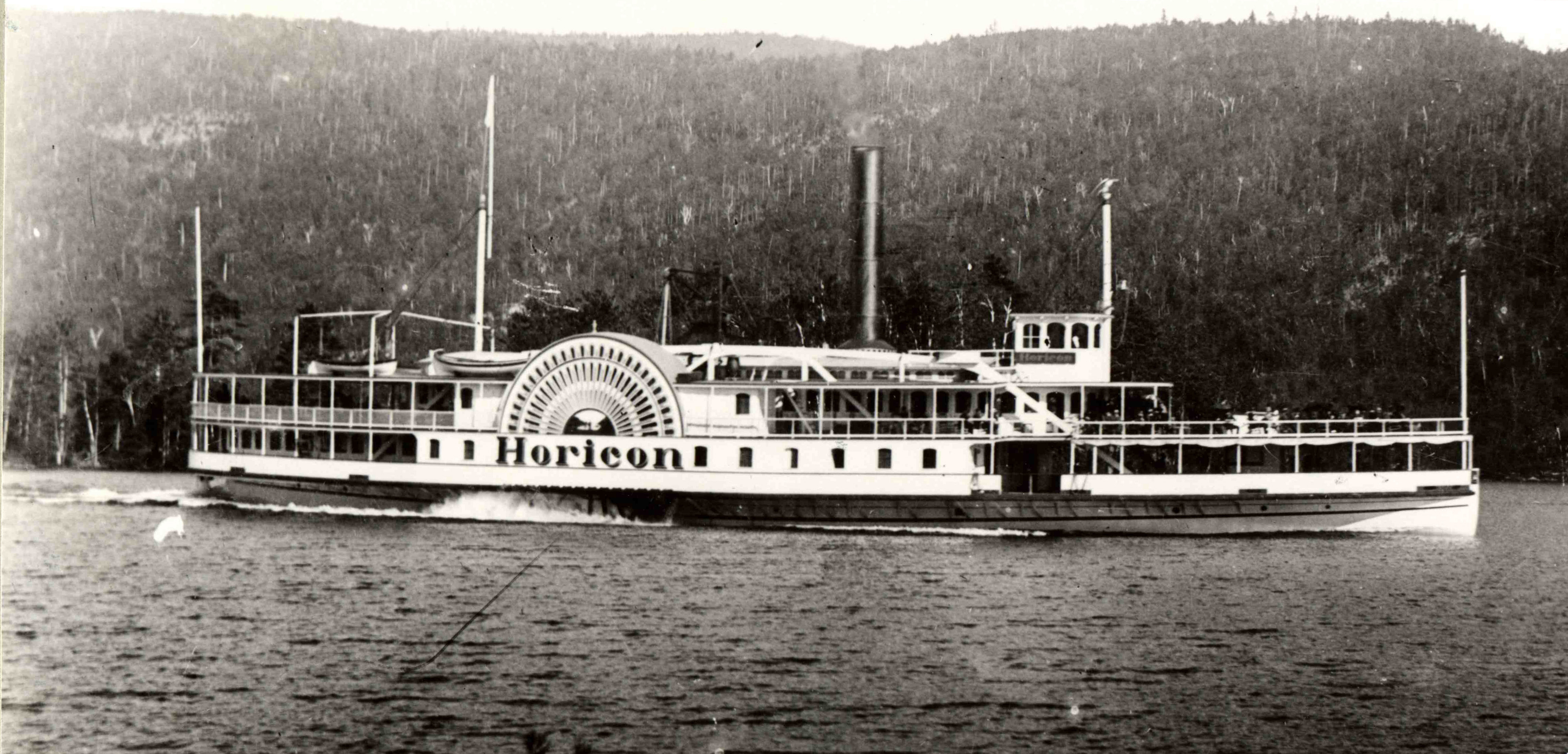 Description steamboat horicon on lake george new york