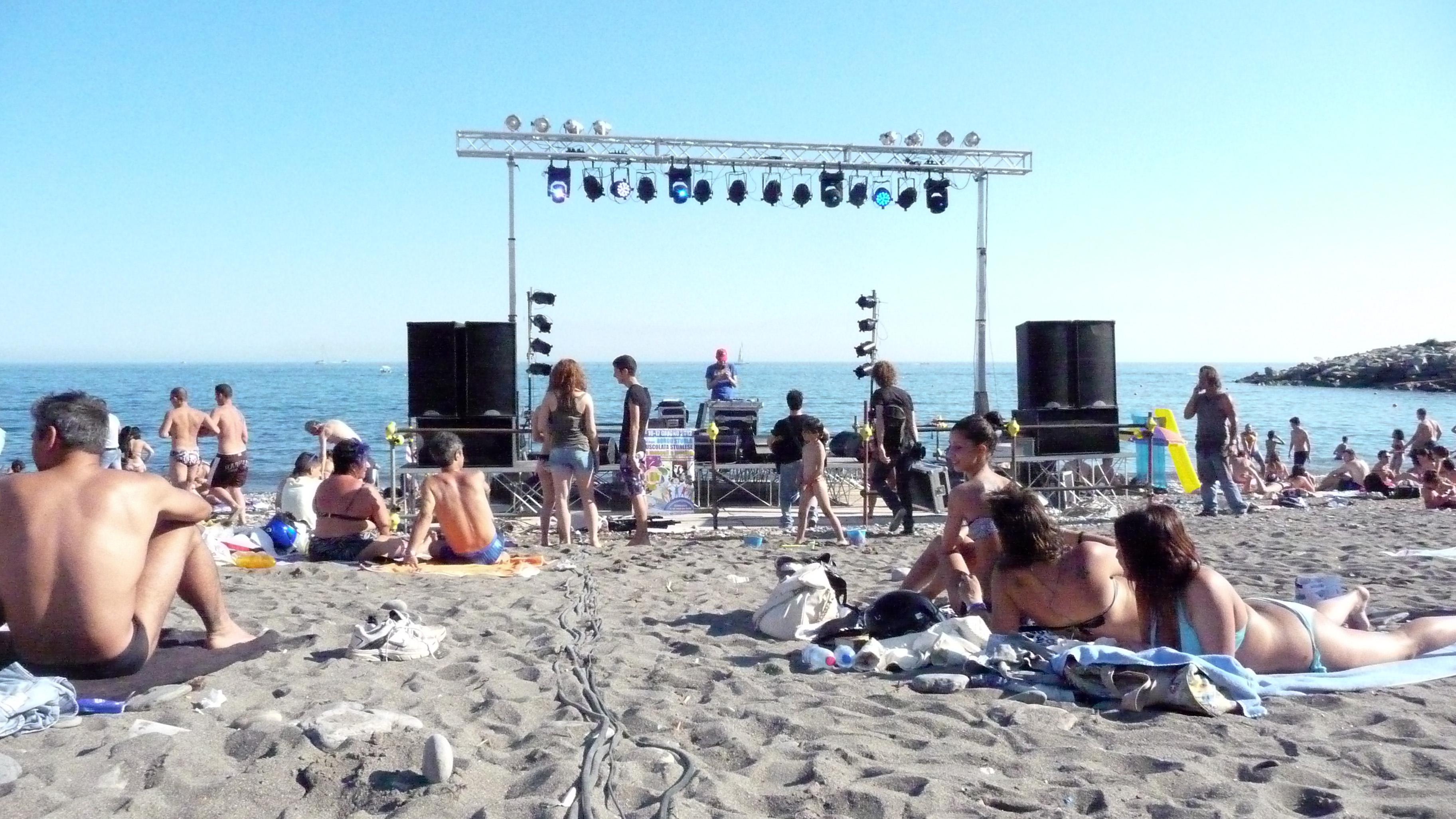Beach music Nude Photos 5