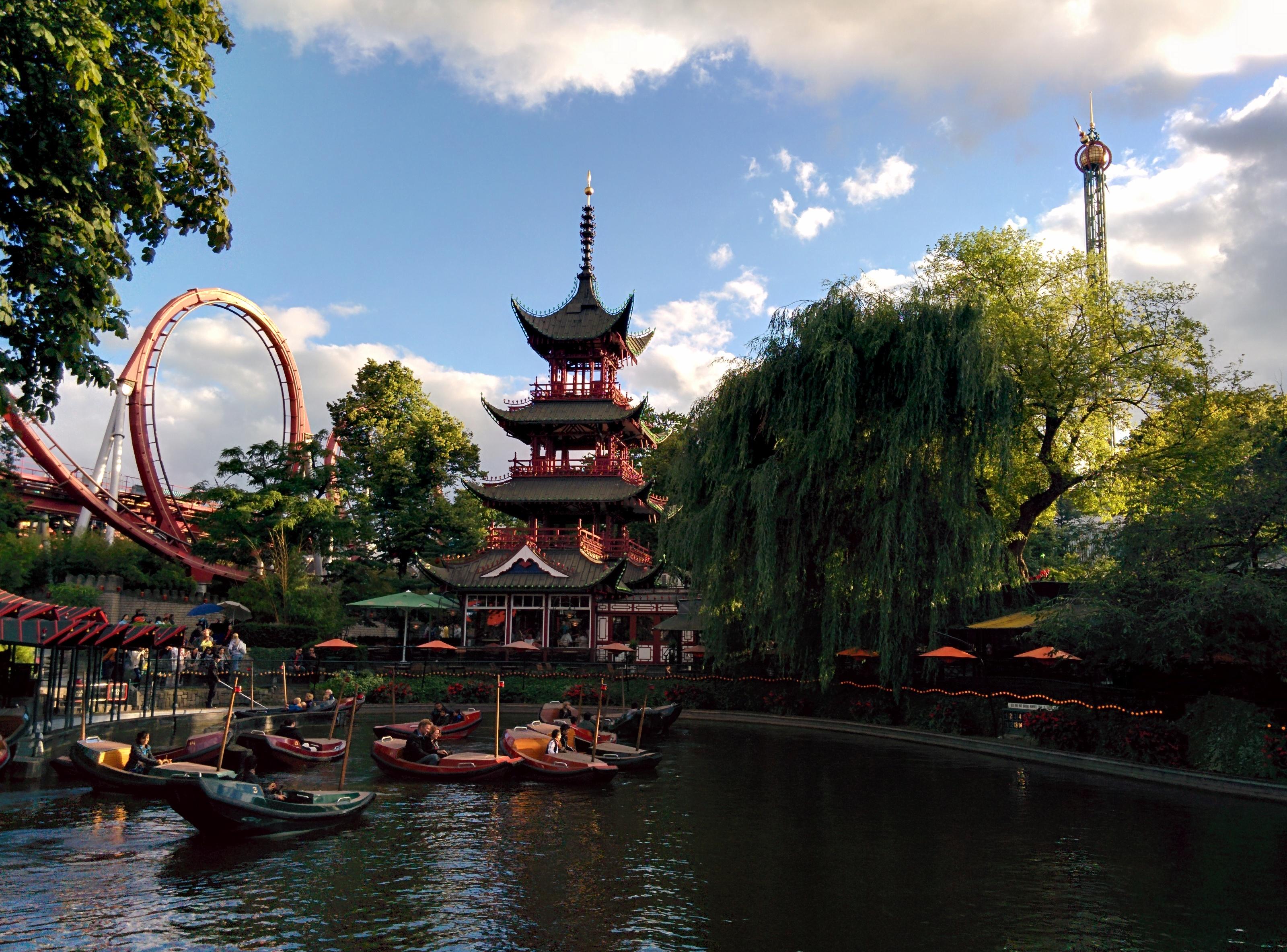 Tivoli Gardens pagoda.jpg