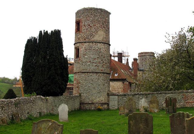 Towers of Stiffkey Hall, Stiffkey, Norfolk - geograph.org.uk - 320490