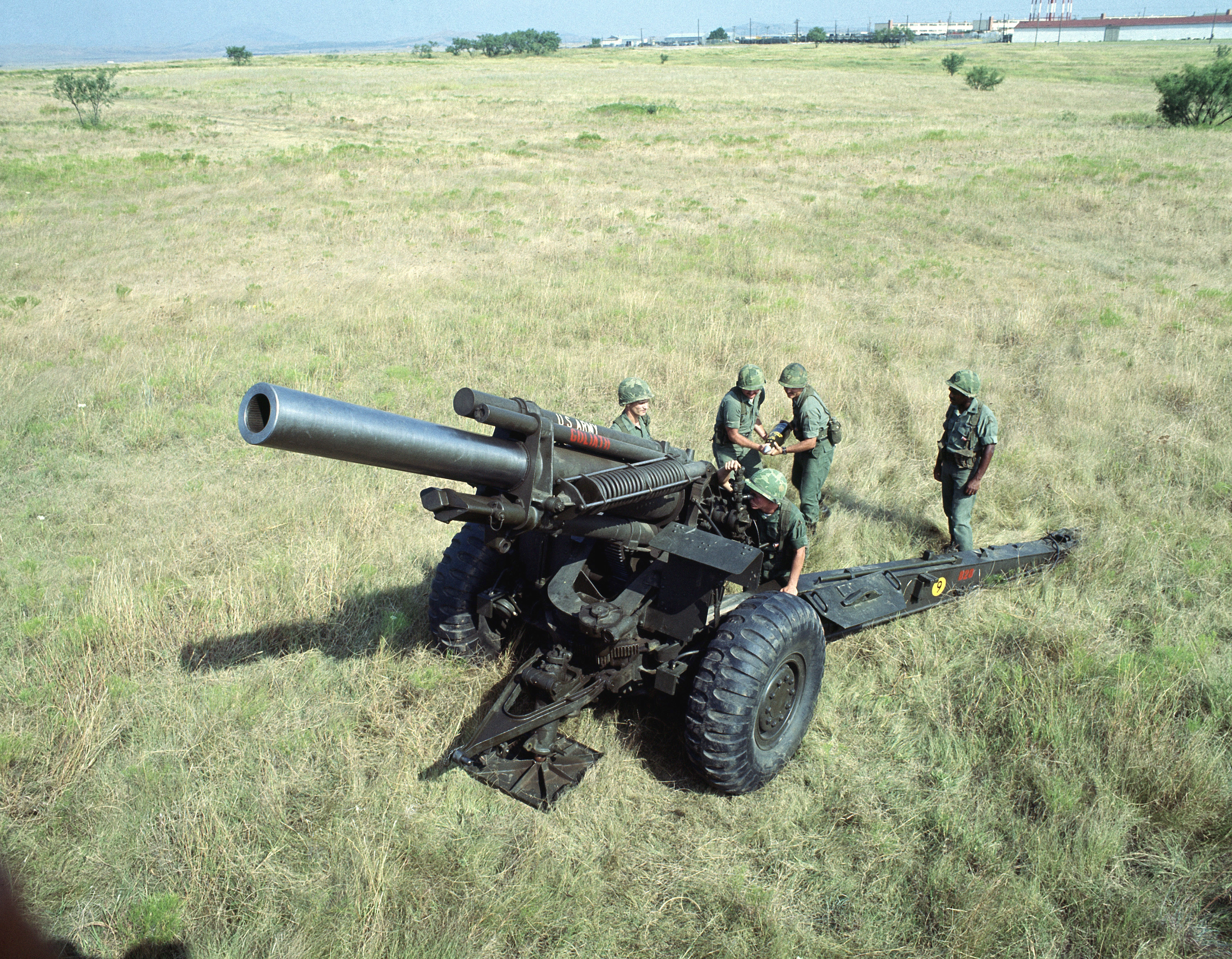 MEDVED от Кейта Томпсона USArmy_M114_howitzer