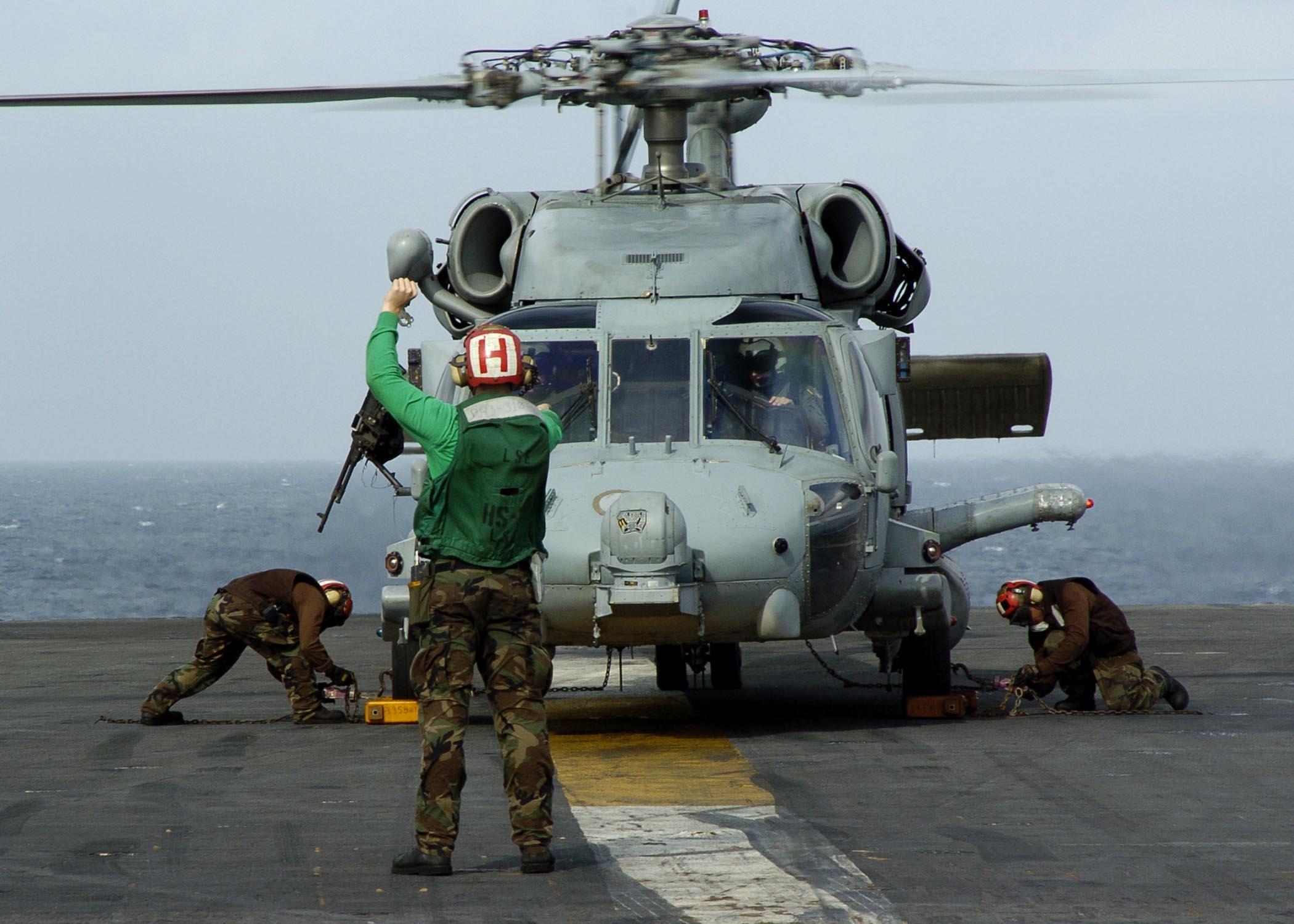 File Us Navy 050101 N 6817c 059 An Sh 60 Seahawk