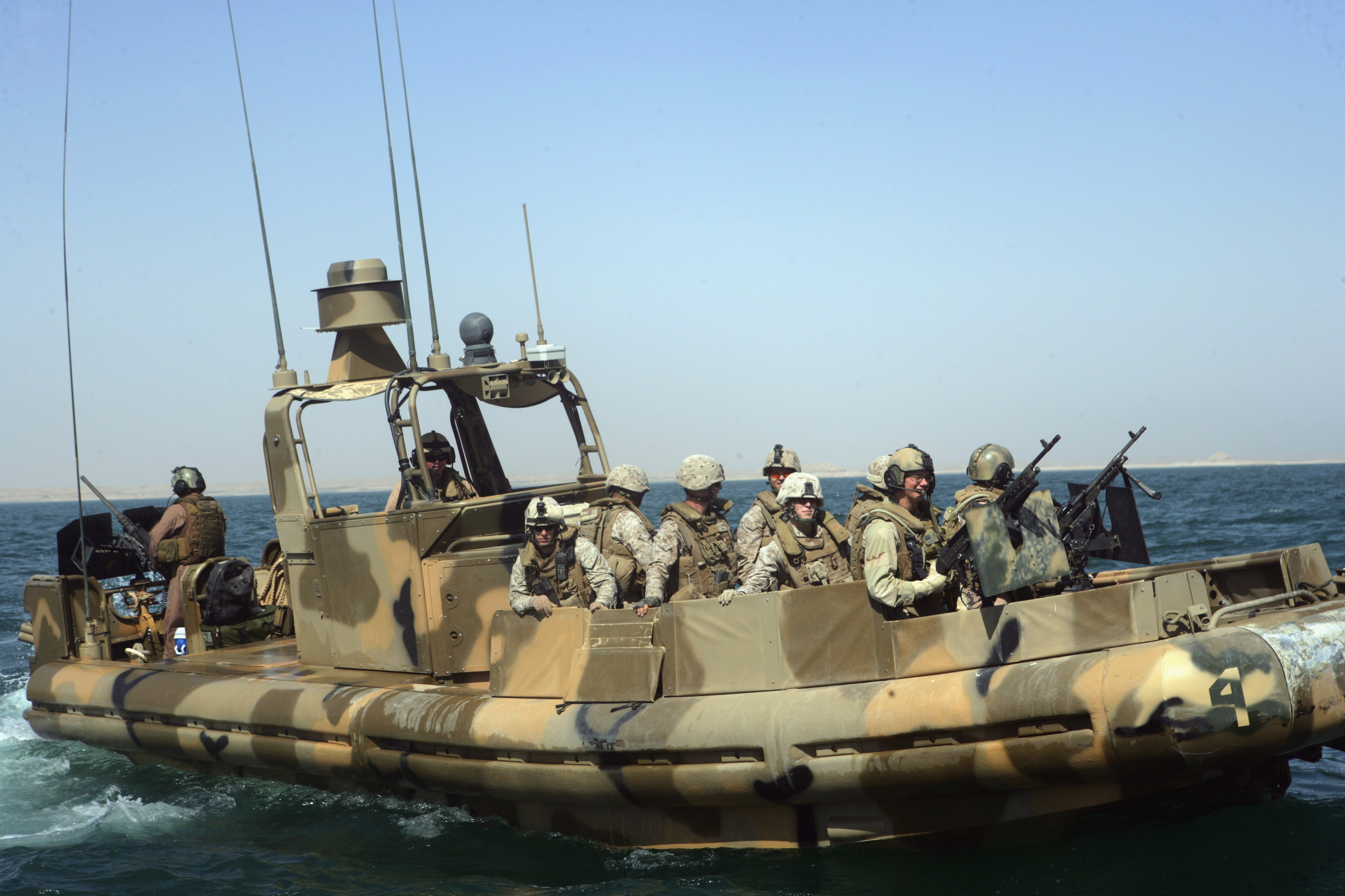File:US Navy 080704-M-1391M-006 ailors assigned to Riverine ...
