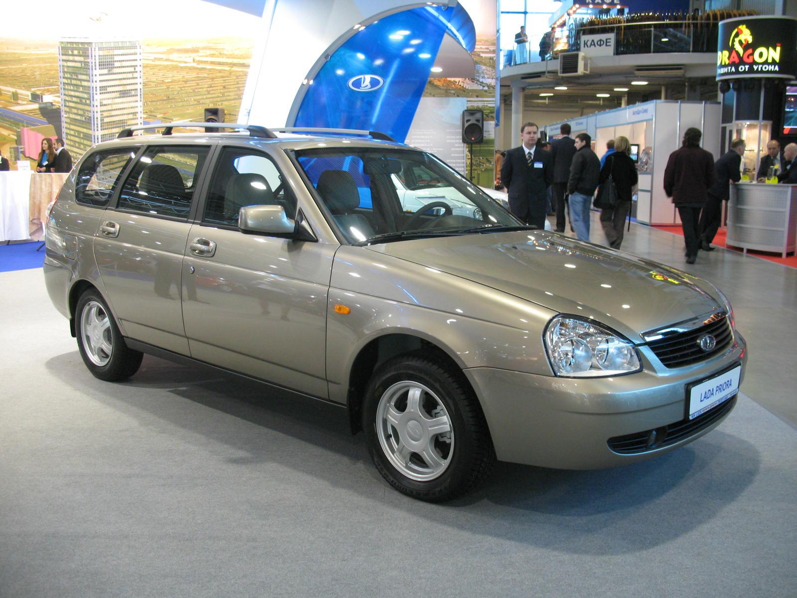 найти автомобиль ВАЗ в Санкт-Петербурге