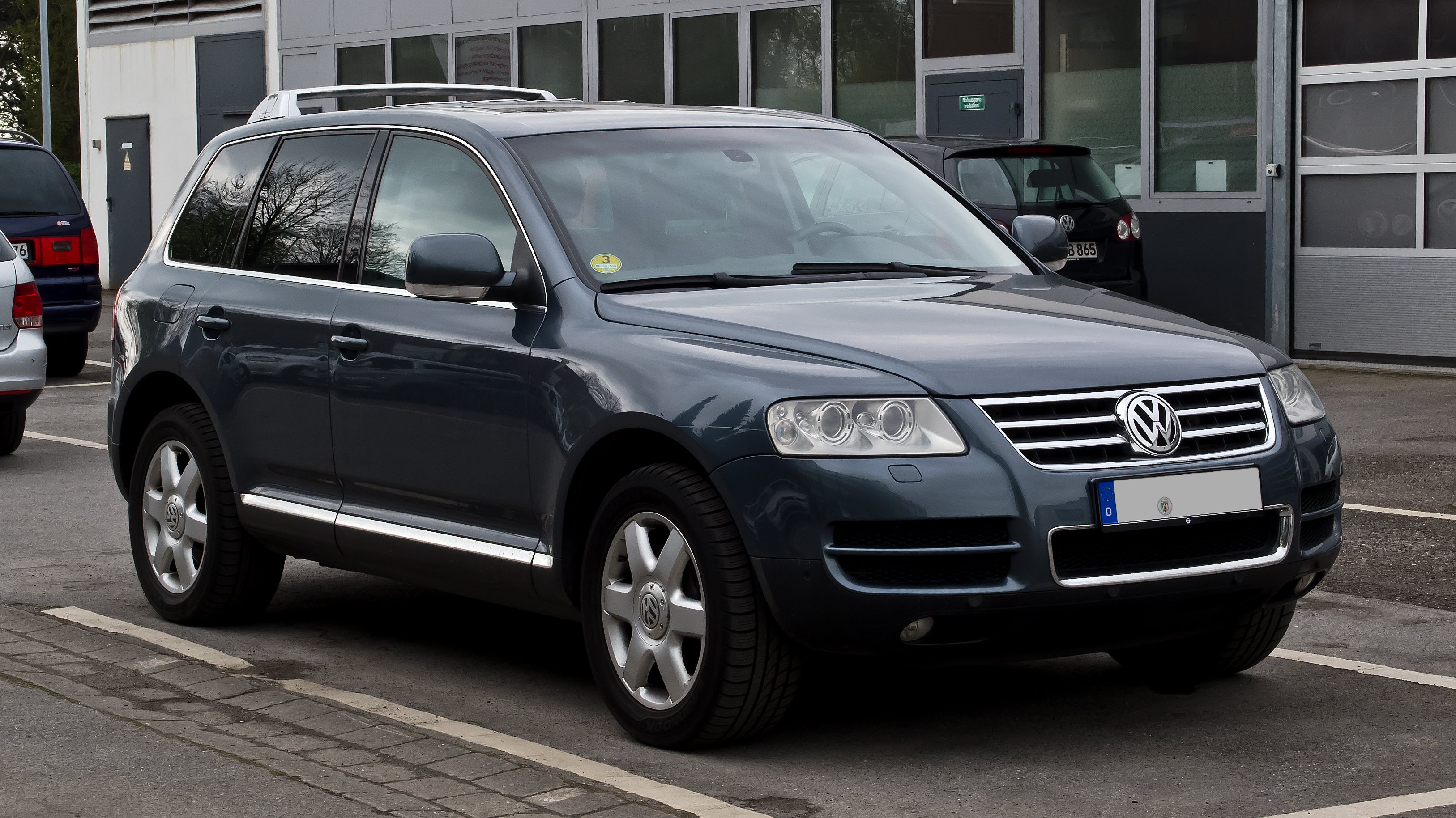plik vw touareg v10 tdi i frontansicht 15 april 2012 wikipedia wolna. Black Bedroom Furniture Sets. Home Design Ideas