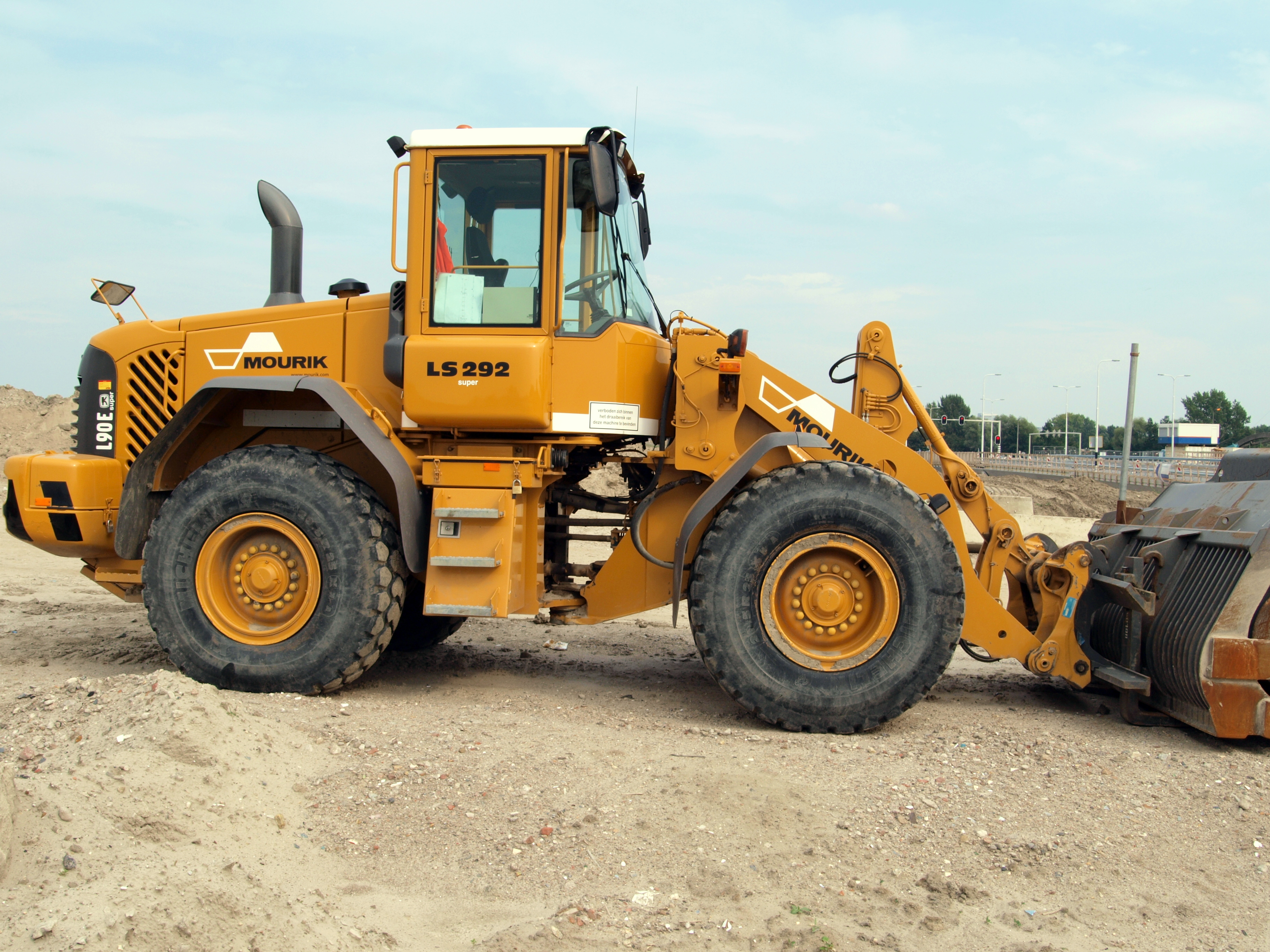 File Volvo L90e Owned By Mourik Ls 292 P1 Jpg