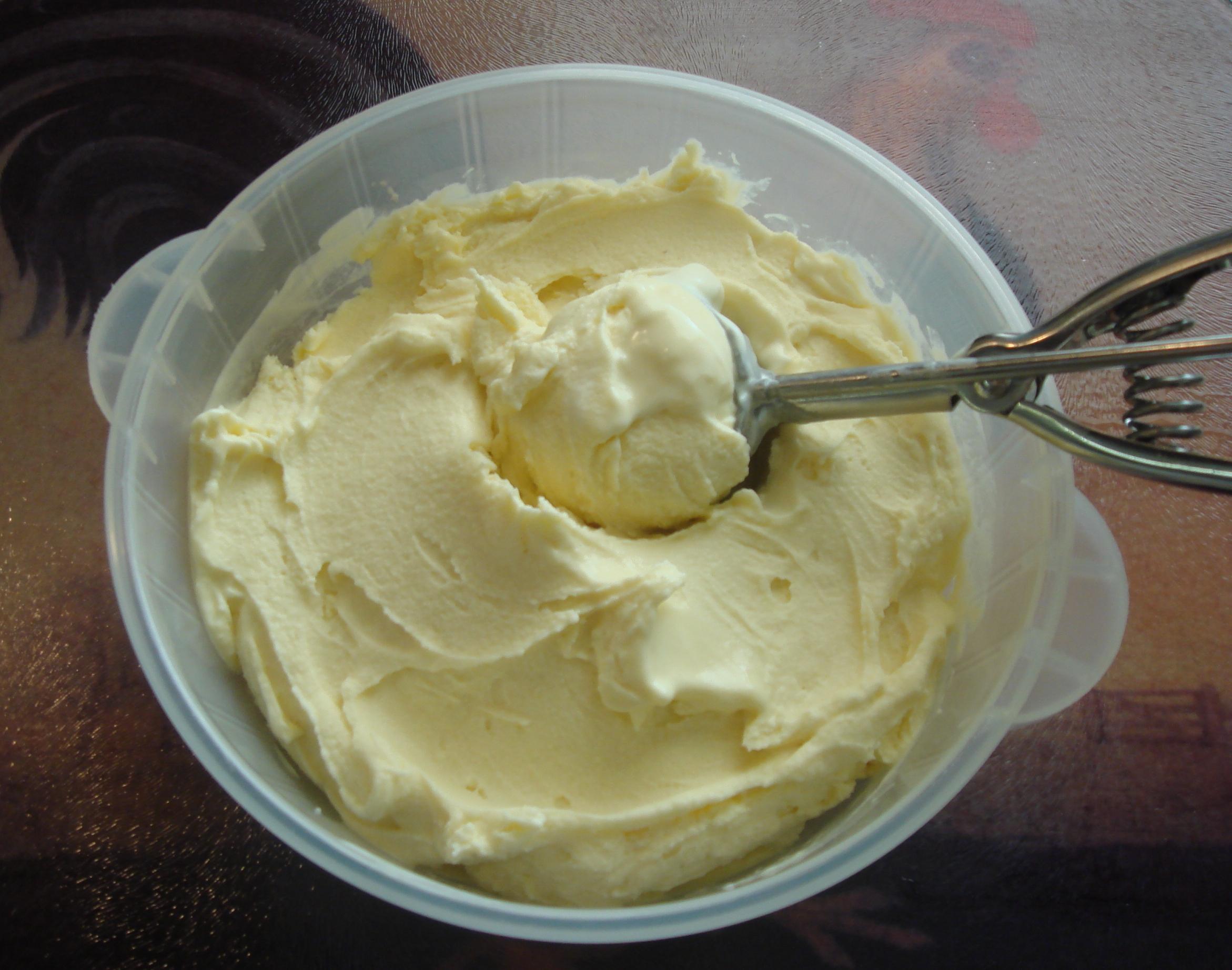 Homemade Ice Cream Cake Baling Dish