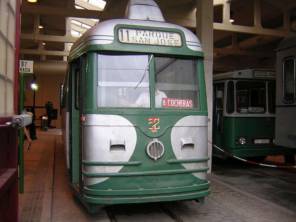 Tranvía de Zaragoza siglo XX. Foto de Roberto Abizanda