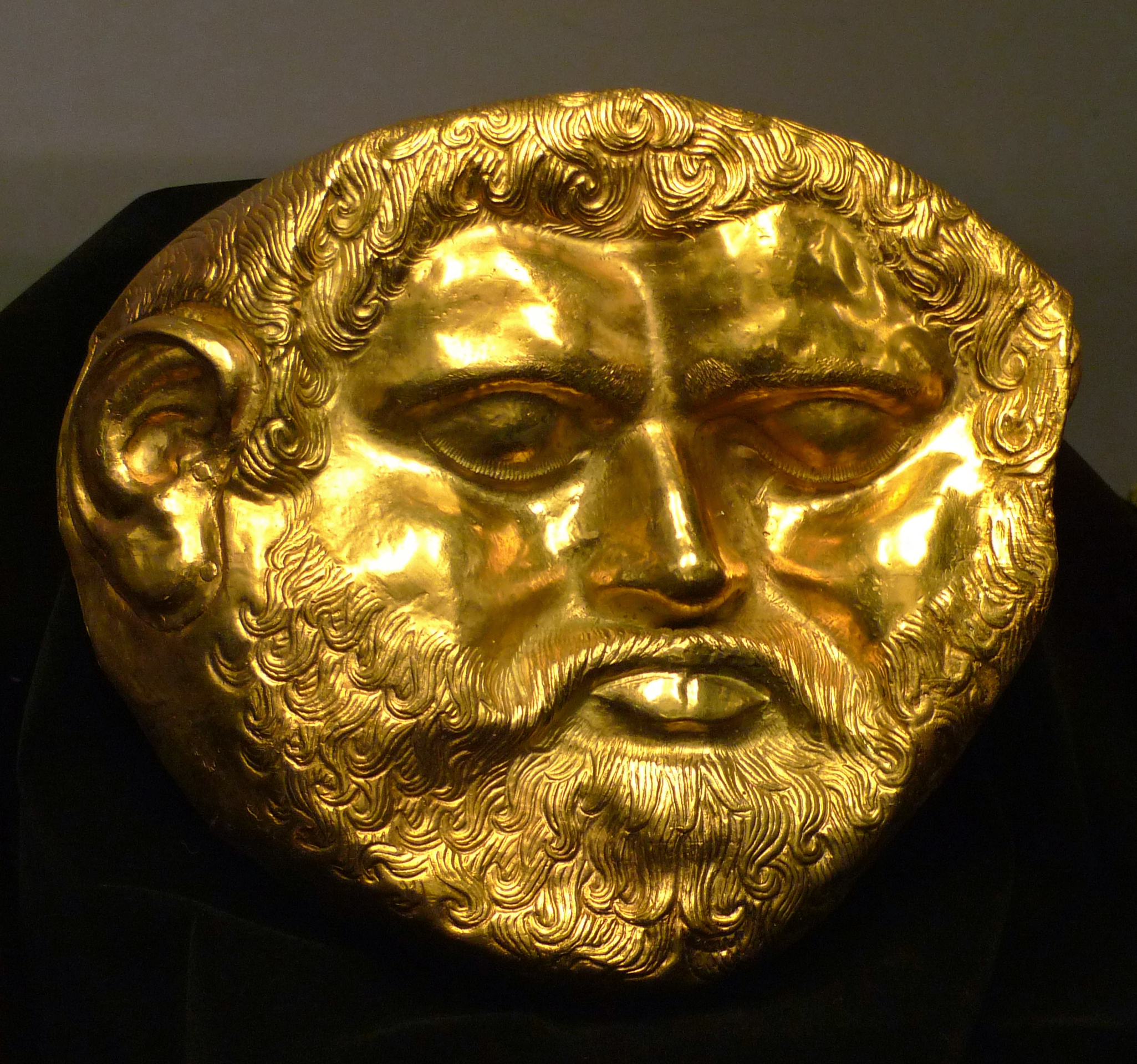 Golden mask of Teres 1 - Thracian King