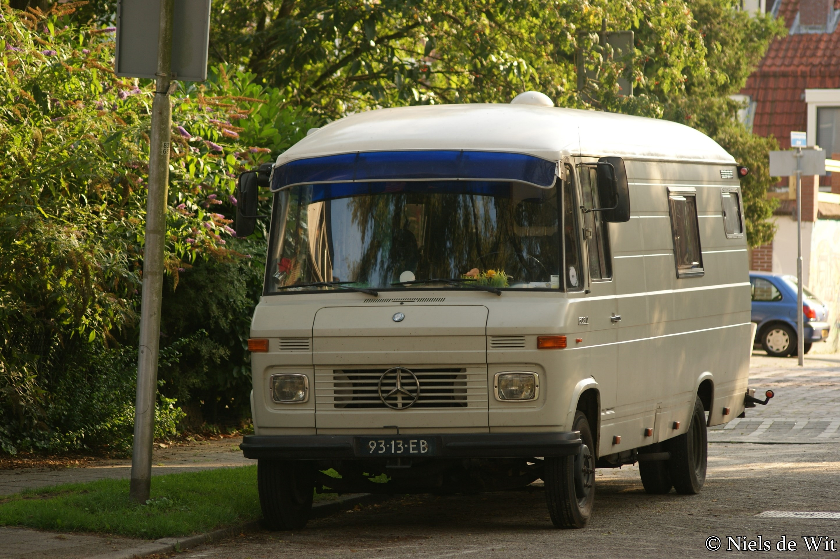 File:1975 Mercedes-Benz L 608 D (14844546762).jpg