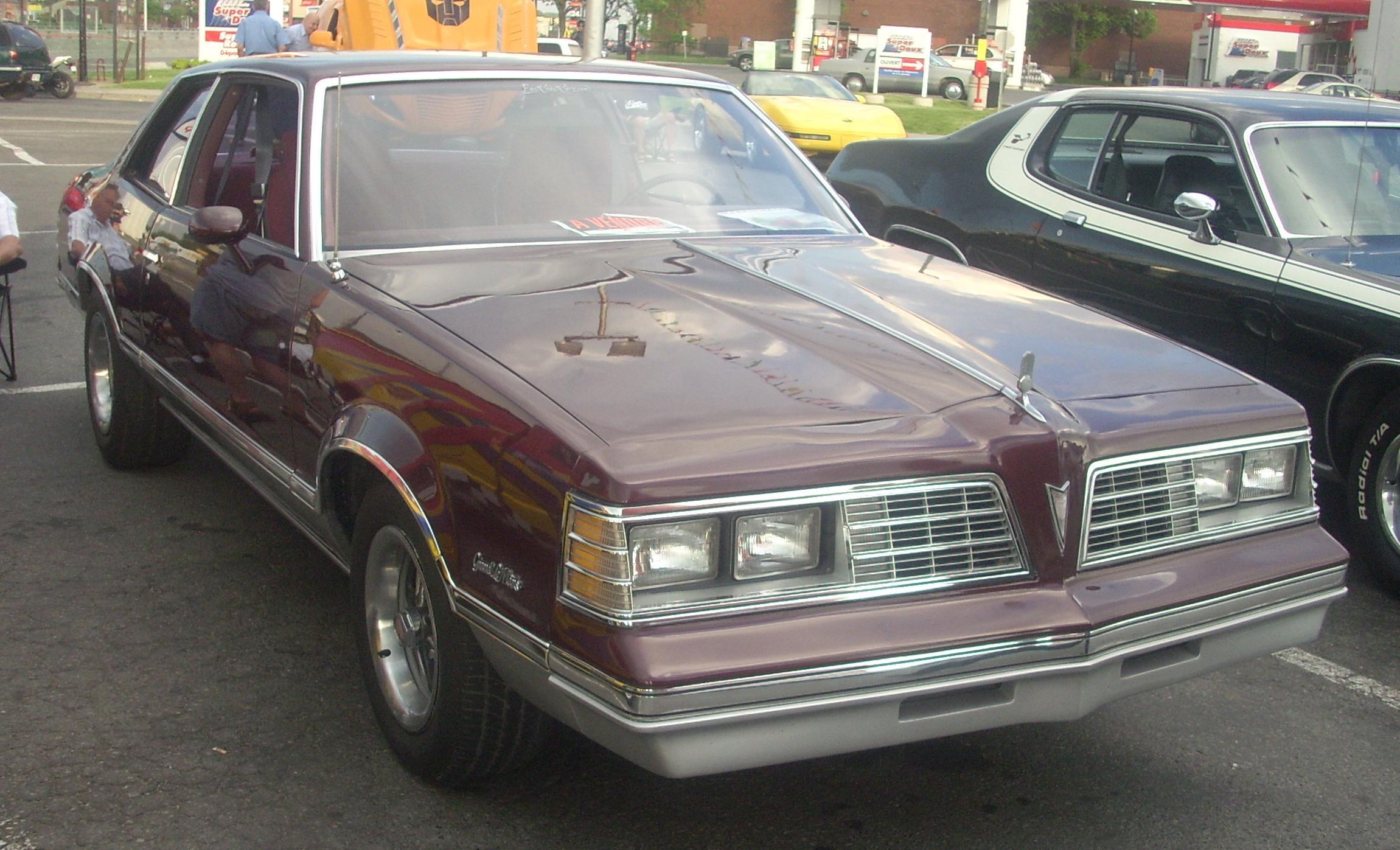 File:1981 Pontiac Grand LeMans coupe (Orange Julep '10 ...