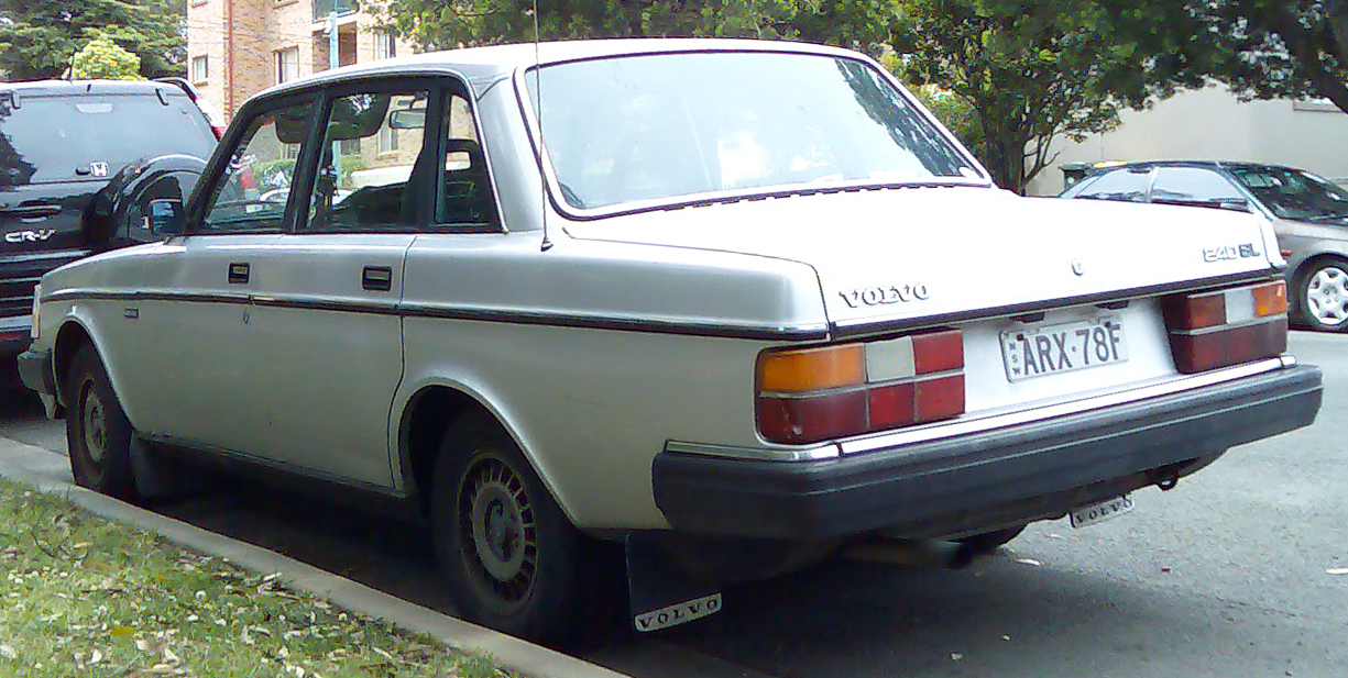 File 1983 1986 Volvo 240 Gl Sedan 01 Jpg Wikimedia Commons