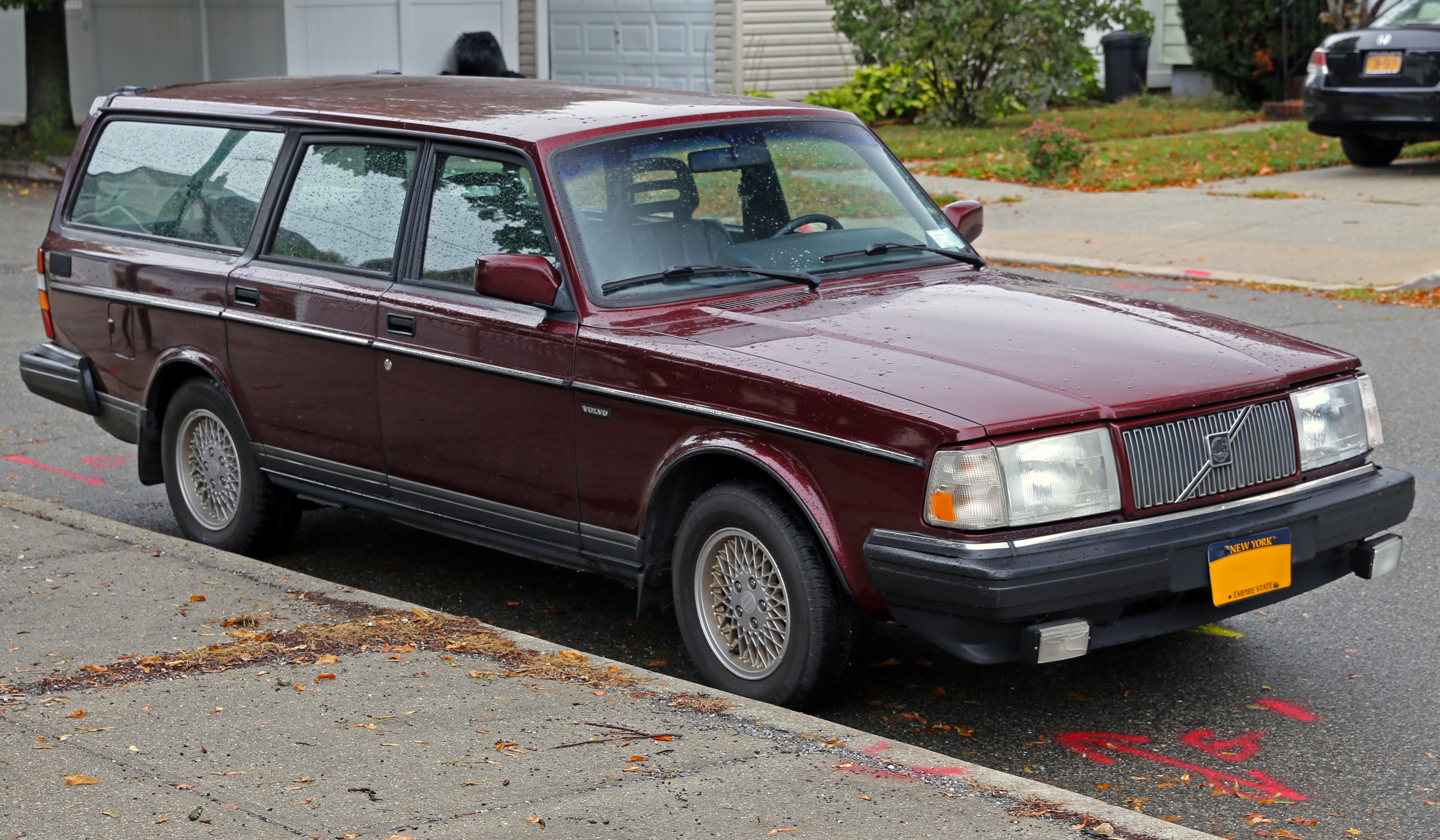 File 1993 Volvo 240 Classic Estate Front Right Jpg
