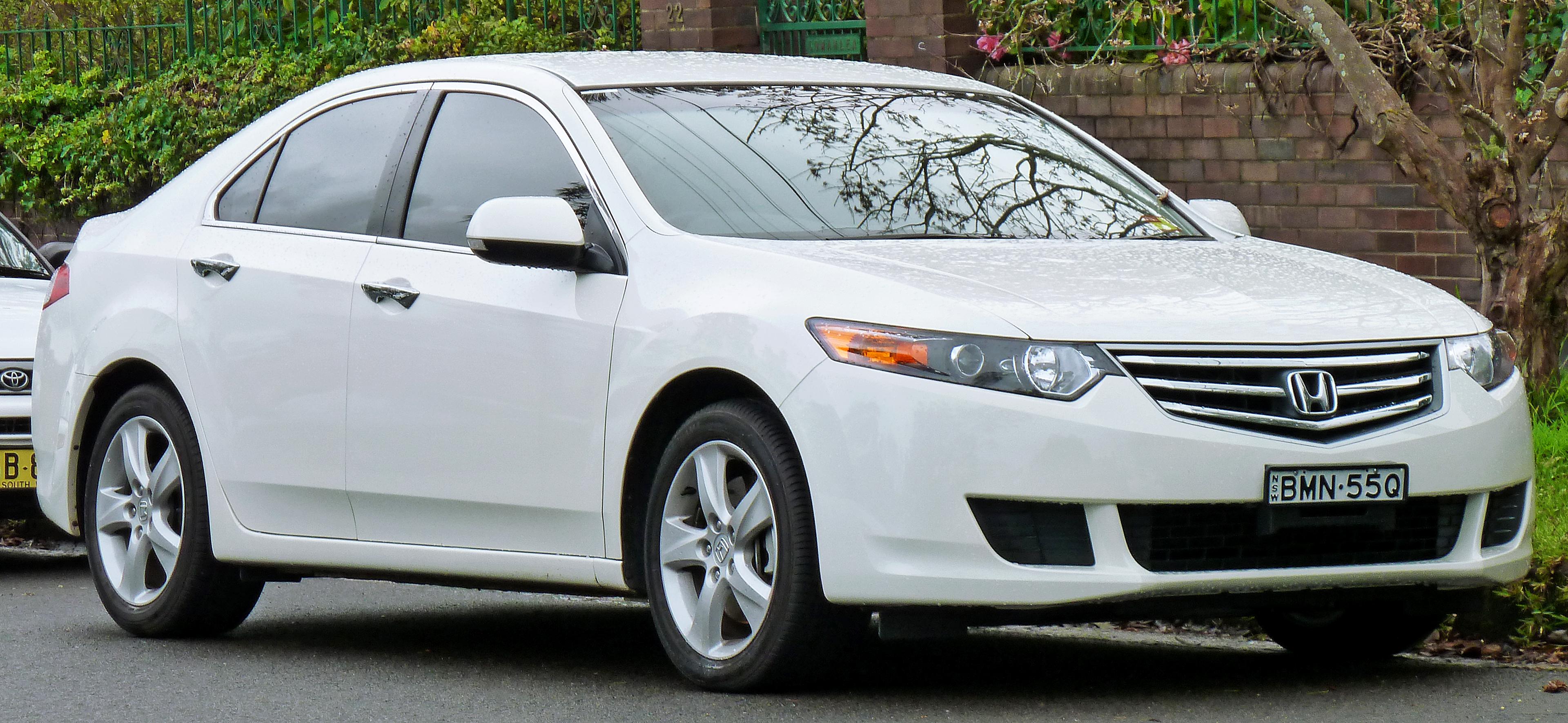 2008-2011_Honda_Accord_Euro_sedan_(2011-