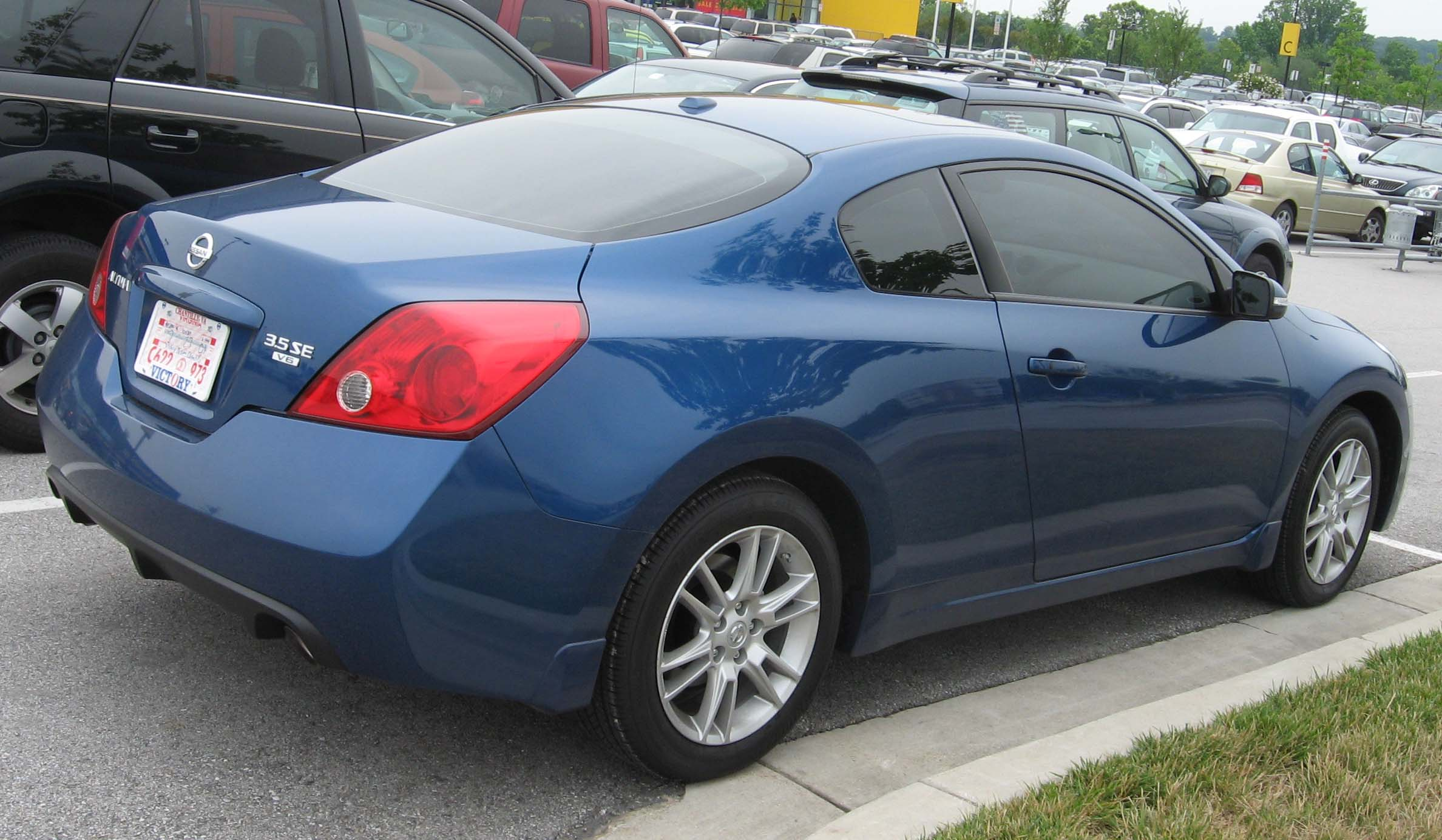 File:2008 Nissan Altima Coupe Rear