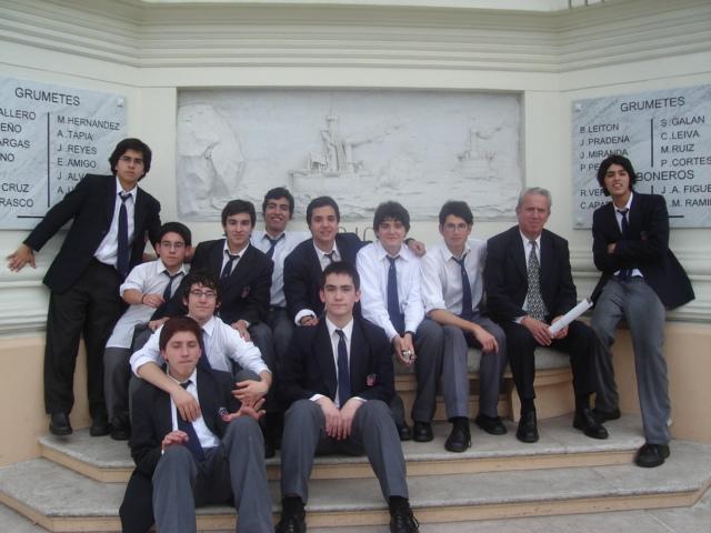 4cfb8a9dc Uniforme escolar chileno - Wikipedia, la enciclopedia libre
