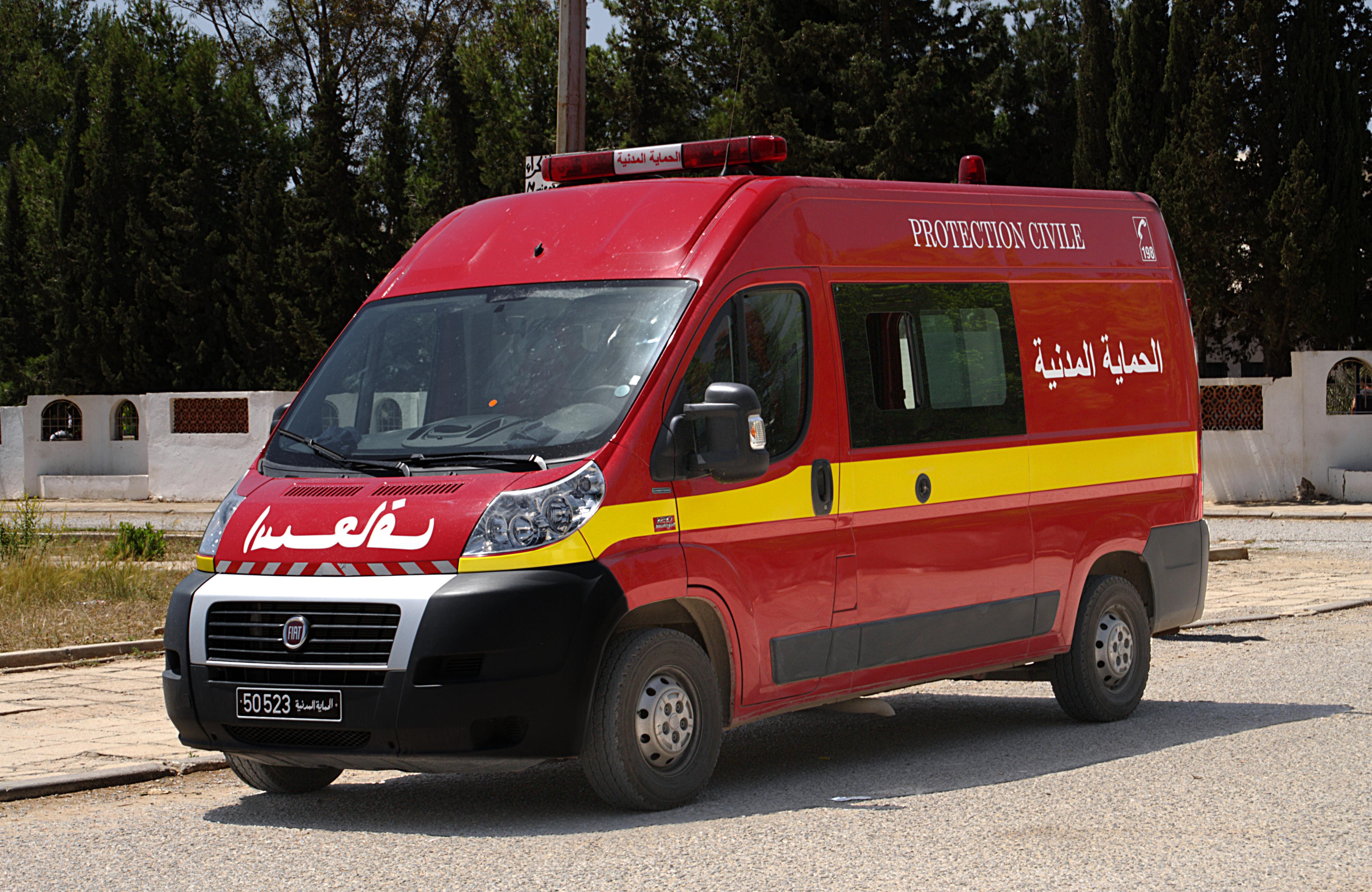ambulance de la protection civile tunisie mai. Black Bedroom Furniture Sets. Home Design Ideas