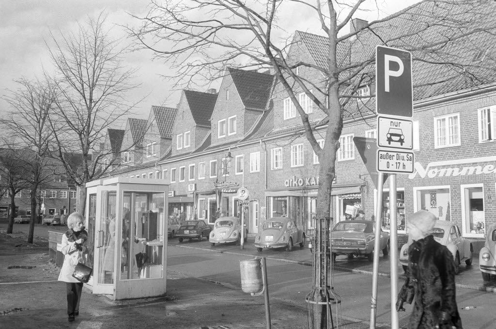 File Andreas Hofer Platz In Elmschenhagen Kiel 56 062 Jpg