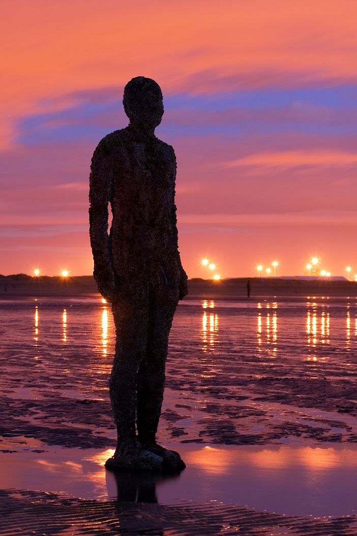 http://upload.wikimedia.org/wikipedia/commons/6/67/Antony_Gormley_-_Another_Place_-_Crosby_Beach_01.jpg