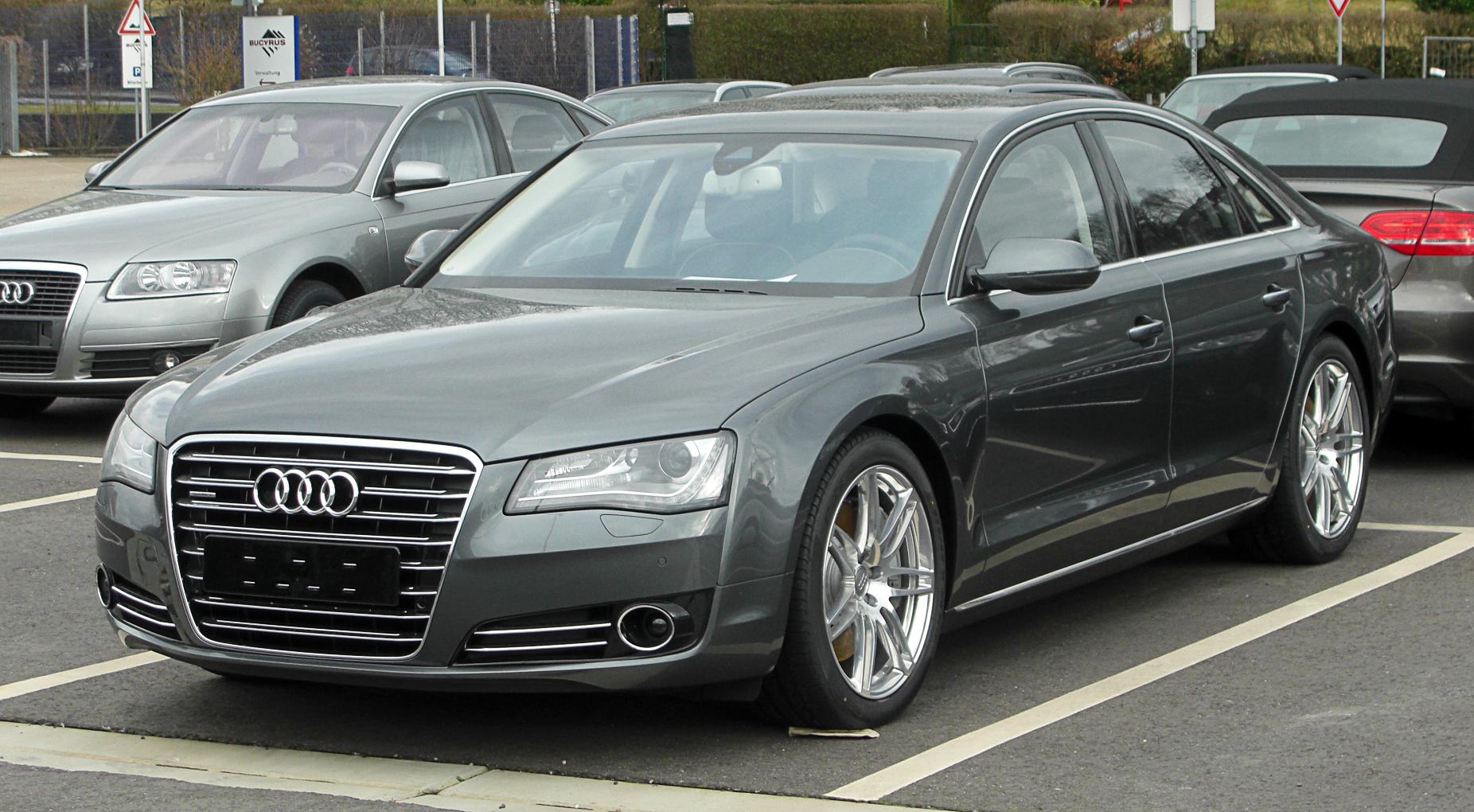 Audi_A8_(D4)_%E2%80%93_Frontansicht,_13.