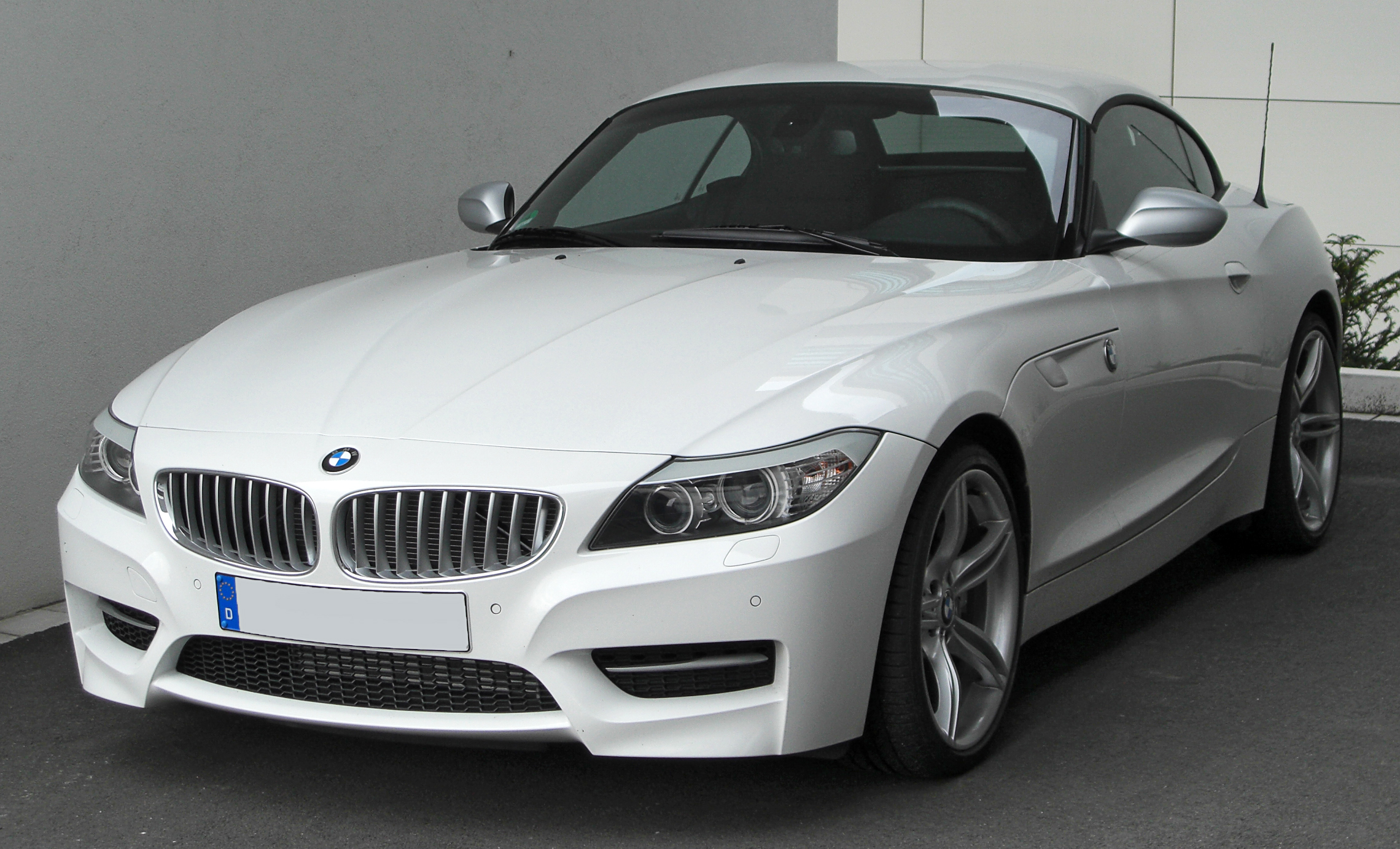 BMW_Z4_II_sDrive35is_M_Sportpaket_front_