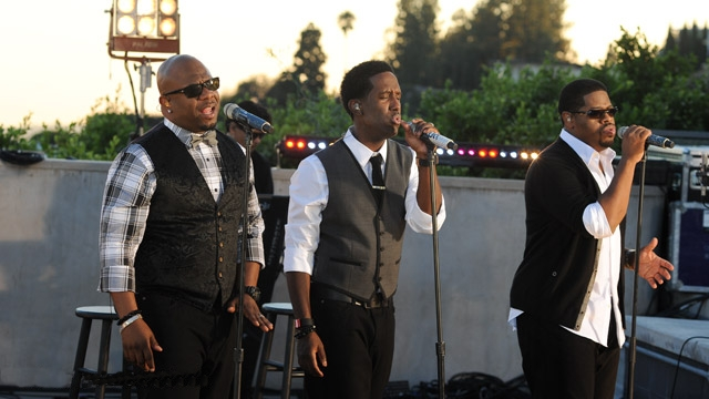 Image result for Wanya Morris concert Boyz 2 Men
